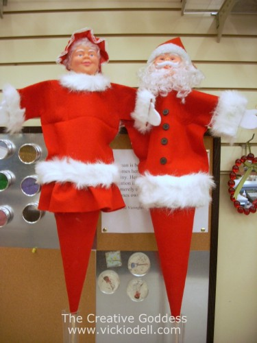 How to Make Santa and Mrs Claus Puppets