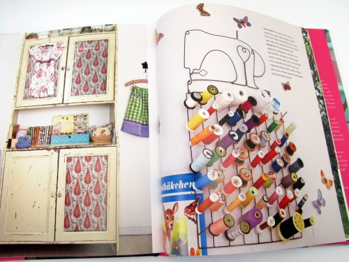 Thrifting Thursday - Book Review: Homespun Style Selina Lake