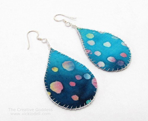 Making Fabric Jewelry by Marthe Le Van