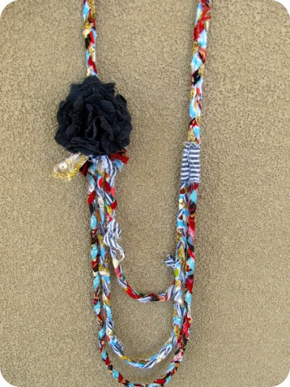scrap-fabric-necklace