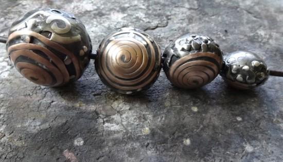 hollow-metal-beads